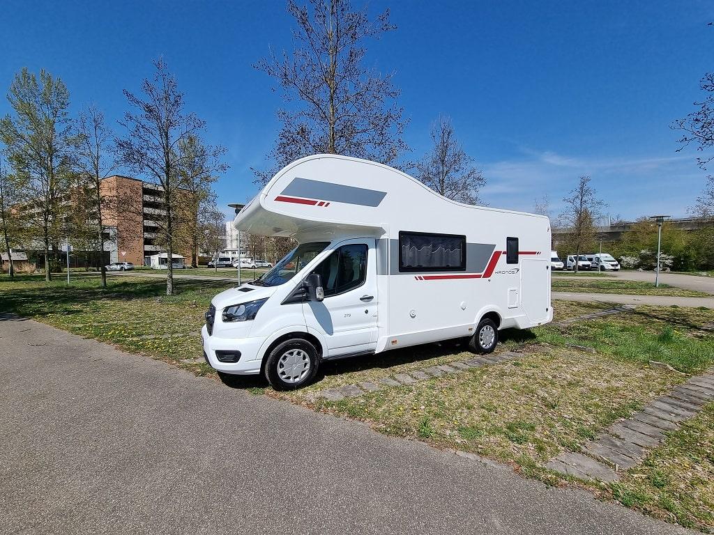 Aussenparkplatz Wohnmobil Duebendorf-min